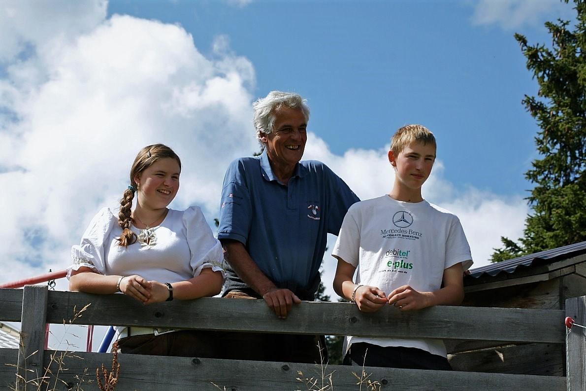 (Mitte) Hofrat Dr. Otto Thaler aus Obermieming. (Foto: Knut Kuckel)