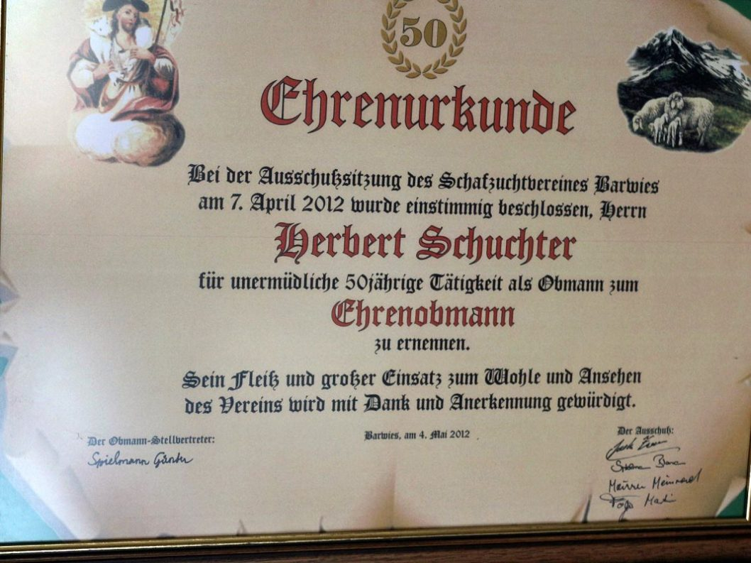 Ehrenurkunde von Herbert Schuchter. (Foto: Knut Kuckel)