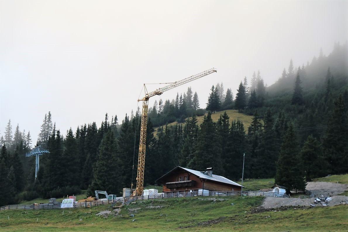"Baustelle in Wolken – ""Kranhöhe über 1800 Meter"". Foto: Knut Kuckel"